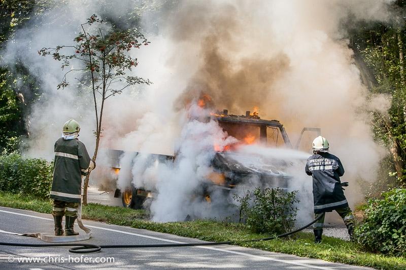 Brand eines Klein-LKW in Mattsee, 2009-09-09; Foto: Chris Hofer